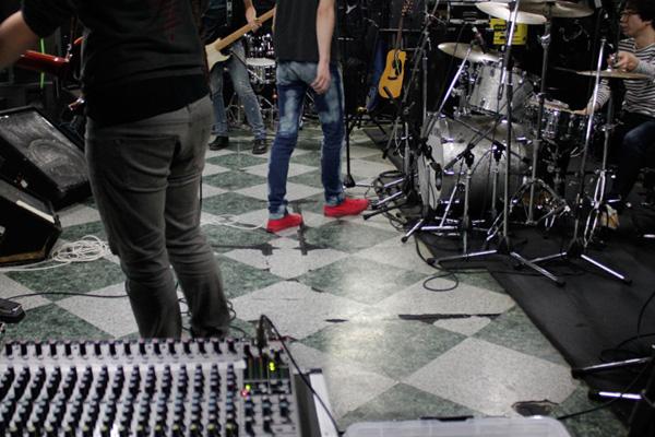 渋谷屋根裏でライブ音声収録